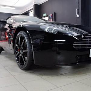 Aston Martin Vantage 12