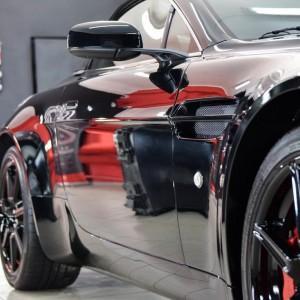 Aston Martin Vantage 13