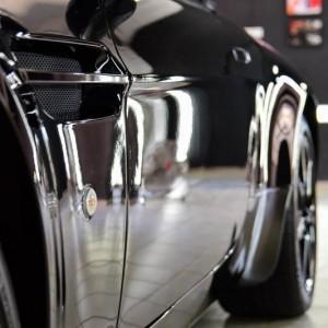 Aston Martin Vantage 15