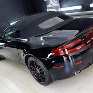 Aston Martin Vantage 17