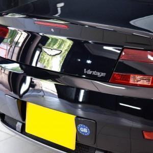Aston Martin Vantage 21