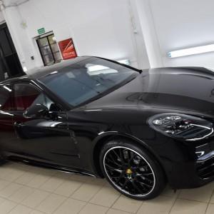 Porsche Panamera 4ss 12