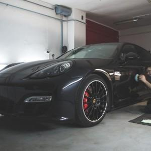 Porsche Panamera GTS 18