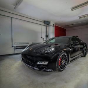 Porsche Panamera GTS 33