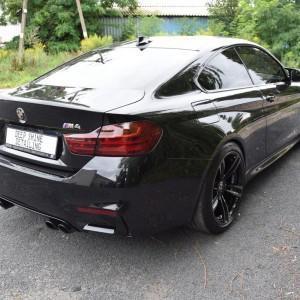 BMW M4 18