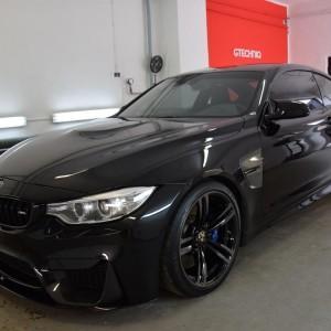 BMW M4 26