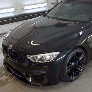 BMW M4 + zabezpieczenie Crystal Serum Black 5