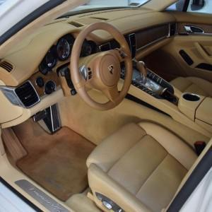 Porsche Panamera 4S 29