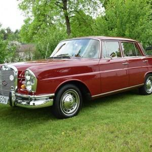 Mercedes W111 30