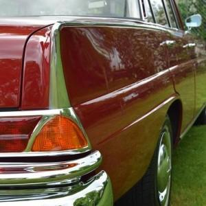 Mercedes W111 58