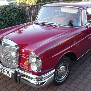 Mercedes W111 66