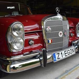 Mercedes W111 74
